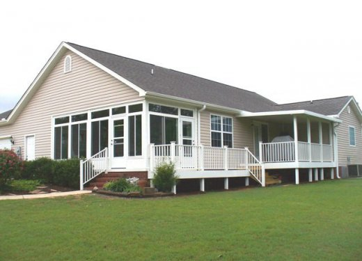Glassroom, patio cover and handrails near Hartwell, GA